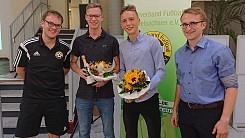 """Falkenauer Jungs feiern """"Doppelaufstieg"""""""